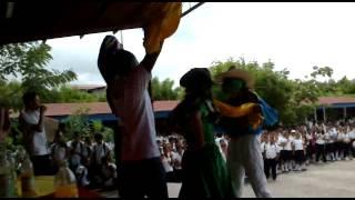 Silas Shoolongela Dancing  with school learners in Nicarragua