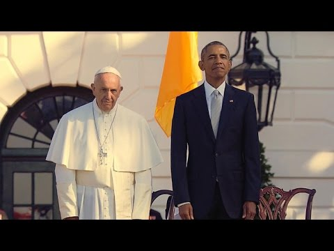 President Obama welcomes Pope Francis to White House