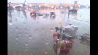 Как кидают чемоданы в Шереметьево (21-09-2013 SU2551 Амстердам-Москва)(ТОЛЬКО ручная кладь господа ))), 2013-09-24T19:23:44.000Z)