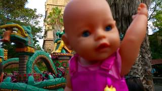 ЖЕЛЕЙНЫЙ МЕДВЕДЬ и Страшные аттракционы Кукла Беби Борн Outdoor Playground for kids Family Fun