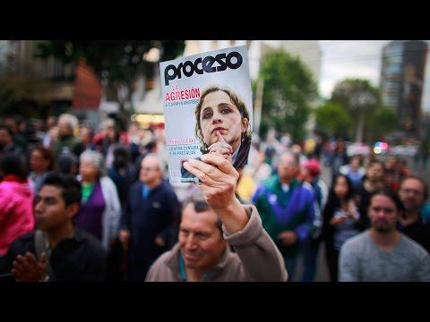 Se manifiestan a favor de Carmen Aristegui