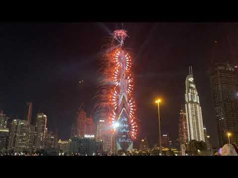 Dubai 2021 New Years Eve Celebration Fireworks Burj Khalifa Downtown