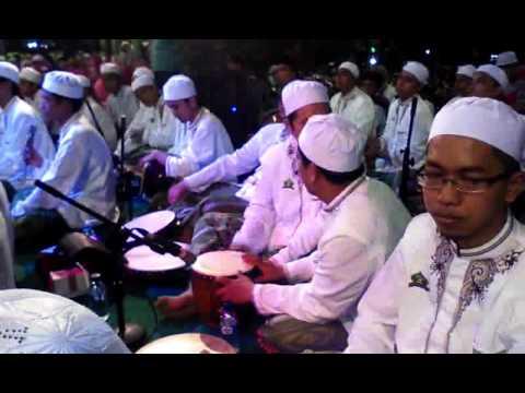 Habib Syech - TURI PUTIH (SOTO SHOLEH YOGYAKARTA BERSHOLAWAT 2016)