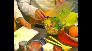 Для гурманов 14. Фруктовый салат в ананасе