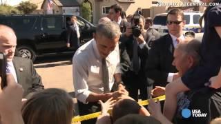 Obama visits vet, takes selfies during Phoenix visit