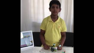 Young scientist explains his Robot