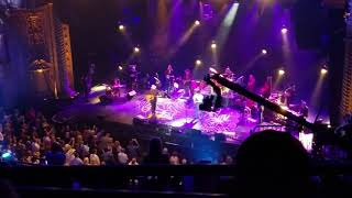 George strait and Chris Stapleton hand in hand concert LIVE FROM SAN ANTONIO