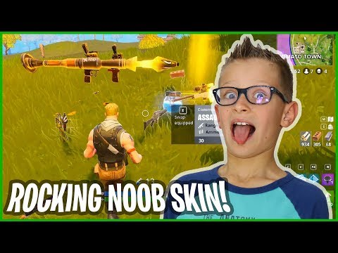 Rocking The Awesome NOOB SKIN!