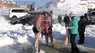 КРЕЩЕНСКИЕ КУПАНИЯ   - 21 градус СТЕПНОГОРСК. Swimming in ice-cold water.