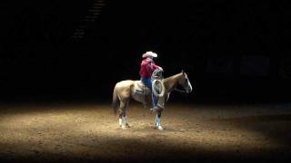 Fort Worth Texas Rodeo - Cowboy roping tricks!