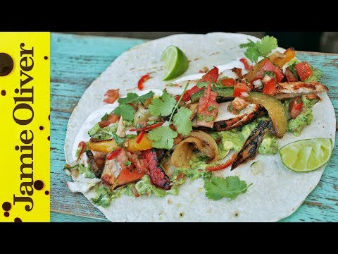 BBQ Chicken Fajitas With Spicy Guacamole