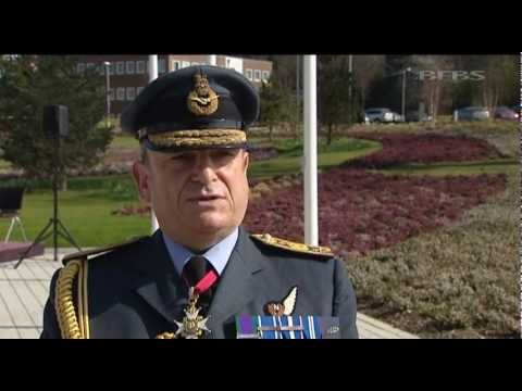 Top commander says UK can hold Falklands 02.04.12