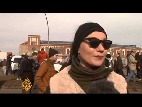 Protesters rally to save part of Berlin Wall