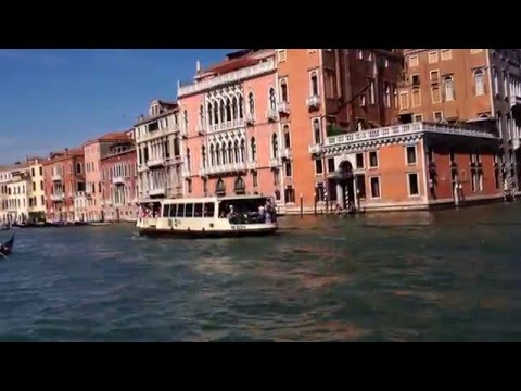 the Best of Italy - Ferrying along the Grand Canal of Venice