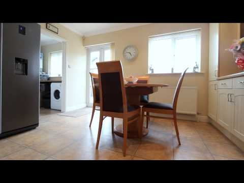 4 Bed Chalet Bungalow for Sale in Poole Lane, Bournemouth, BH11 9DZ