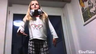 Toulava-zpívá ségra
