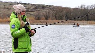 ЭТА РЫБА ЧУТЬ НЕ УНЕСЛА В ВОДУ БЕШЕННАЯ рыбалка 2020
