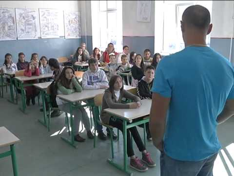 UNICEF MNE - Children discuss inclusion through sports in Montenegro's school parliaments
