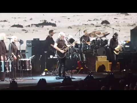 """Roger Waters Live """"Us and Them"""" tour 5-30-17 st louis scottrade center"""