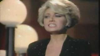 Elaine Paige - Up where we belong