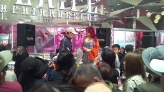 叶姉妹の叶美香さんが近くのパチンコ店にゲスト来店した時の様子です。