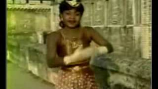Congo-Zaïre Music   Phénomène by Mbilia Bel