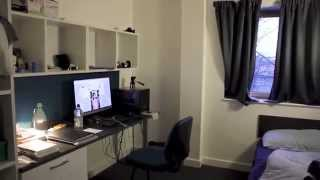 Video Blog #14 (Vlog) University of Bedfordshire Room Tour