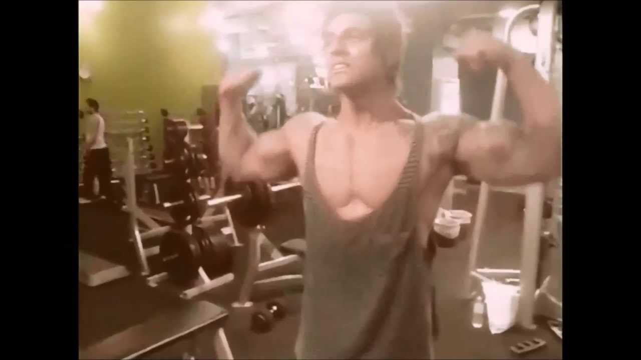 e437098266e03 Zyzz flexing in a stringer vest - YouTube