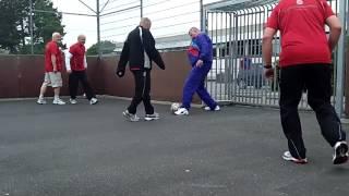 Motionsanmeldelse af gadefodbold