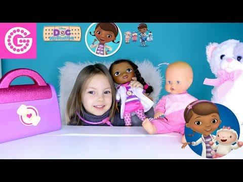 Доктор Плюшева и Катя лечат сыпь куклы Еви  Doc Mcstuffins Doll Treats Evis rash  Игра в доктора