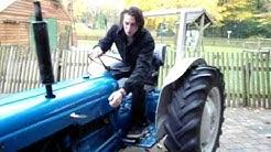 Wa vur kleur traktor hedde gai?