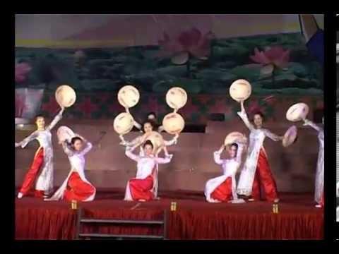 Múa nón: Việt Nam Quê Hương Tôi