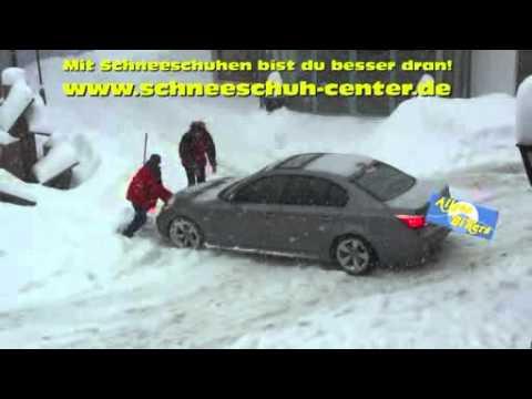mit schneeschuhen w re man besser drann lustig auto im schnee youtube. Black Bedroom Furniture Sets. Home Design Ideas