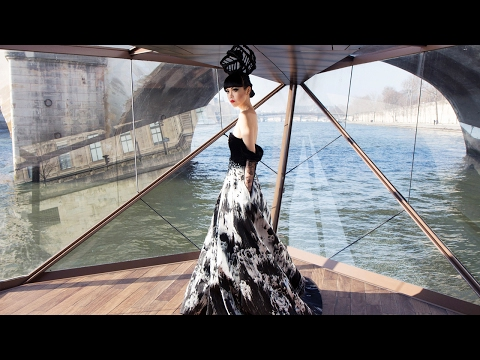 [PARIS] The floating *J Winter Fashion Show 2017* by Jessica Minh Anh
