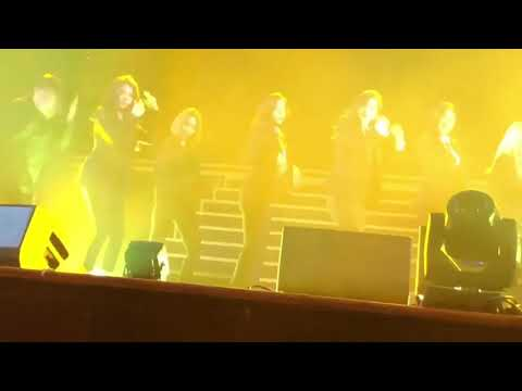 Apink (에이핑크) danc cover BTS - Fire @fanmeeting. ' Pink Cinema '(180421) Cr : twitter