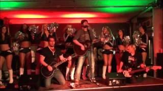 The Crashpilots feat. 8 dancing Cheerleaders - Under the bridge (live bei den Sixdays Bremen)