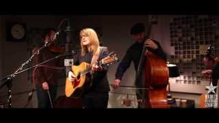 Claire Lynch - Dear Sister [Live at WAMU's Bluegrass Country] thumbnail