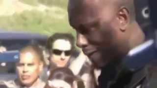 Tyrese Gibson llorando en el funeral de Paul Walker.... R.I.P