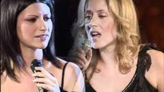 Lara Fabian et Laura Pausini - La solitudine (Dolce Italia 22.08.2002) HQ