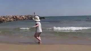 Крит. Гурнес. пляж.(Этот небольшой песчаный пляжик в районе Гурнеса на Крите идеально подходит для отдыха с маленькими детьми., 2016-03-19T10:57:16.000Z)