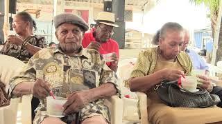 Video Winston Vyent viert 52 jaar met senioren burgers download MP3, 3GP, MP4, WEBM, AVI, FLV Oktober 2018