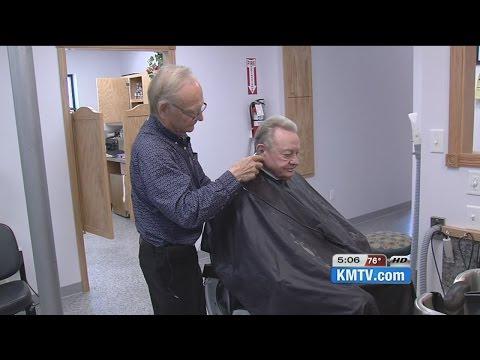 Fremont barber retiring after 50 years