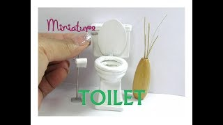 Toilet Wood Dollhouse Miniature Furniture Working Seats and Removable Tank Cover