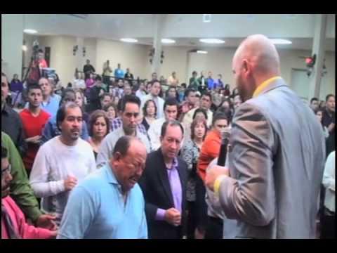 Profeta José Font profetiza a Pastor Neftali Gomez