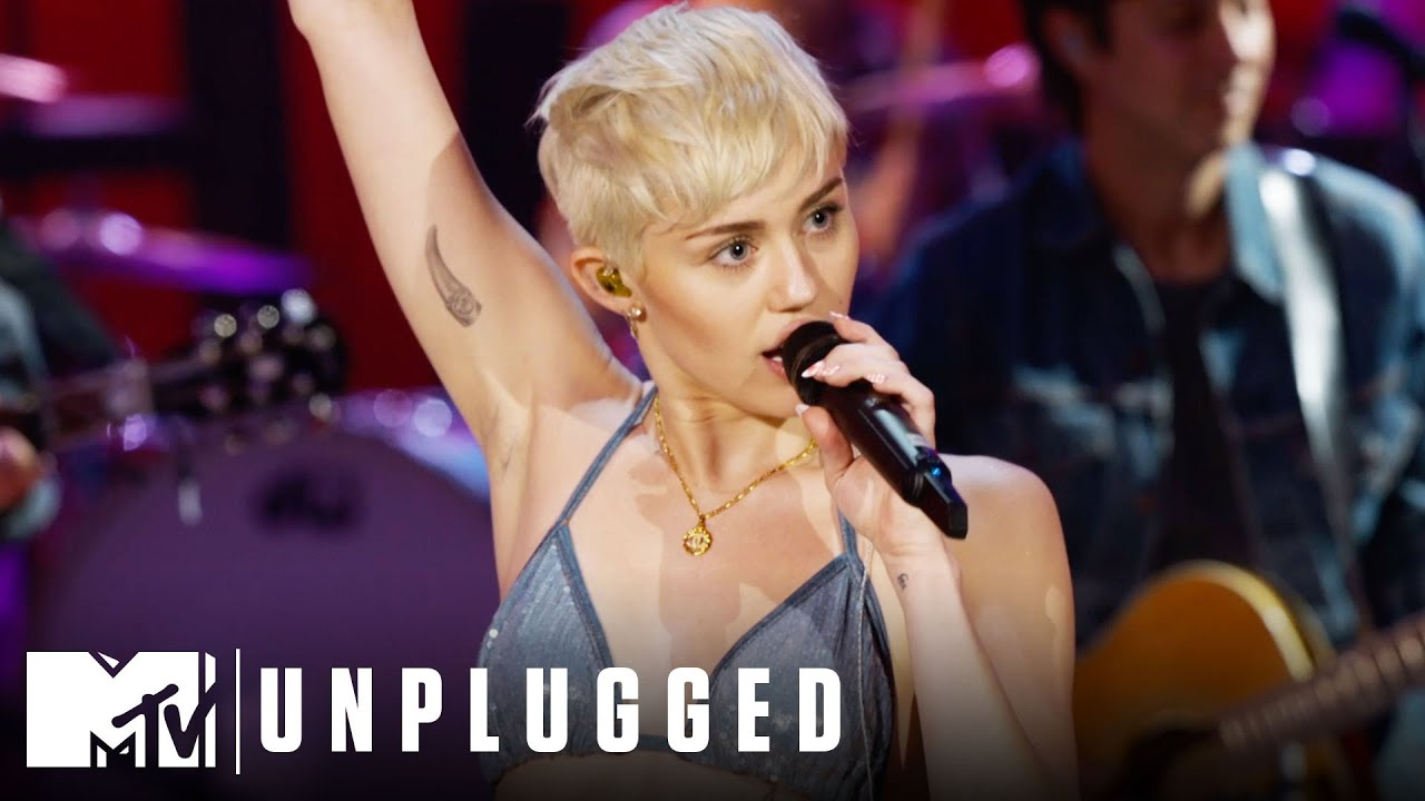 "Miley Cyrus Performs ""Why'd You Only Call Me When You're High?"" 