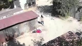 Камера наблюдения в Шымкенте сняла, как появляются мусорные свалки(В Шымкенте установили камеры в местах стихийных мусорных свалок. На кадрах отчетливо видно, кто выбрасывае..., 2015-10-03T11:13:34.000Z)