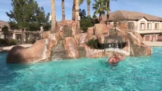 Koksu trenuje w basenie przed walka z Popkiem 2017 Video