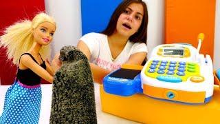 Видео для девочек - Барби обновляет гардероб - Игры одевалки
