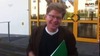 Deutschlehrer Herr Schröder; Ein Beispiel gelungener Integration!