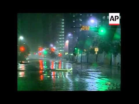 Hurricane Ike lashes Houston, damage
